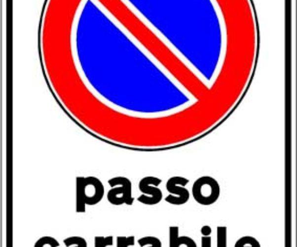 Molti passi carrabili poco regolari = pochi parcheggi