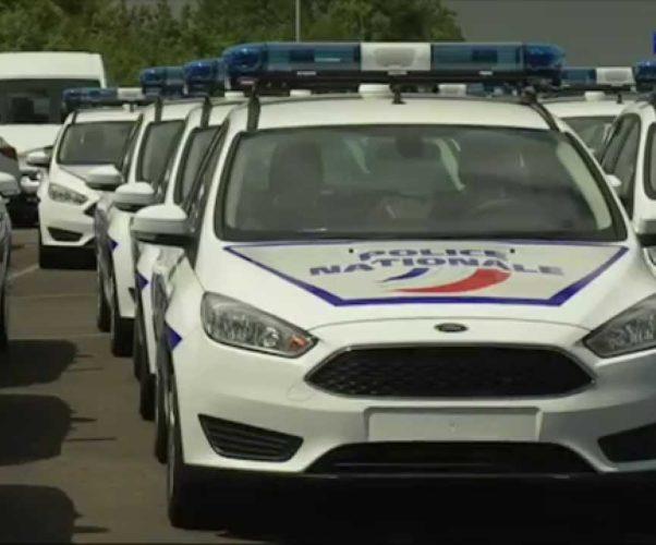 Attentato a Parigi: muore un agente della municipale altri due feriti, ucciso aggressore