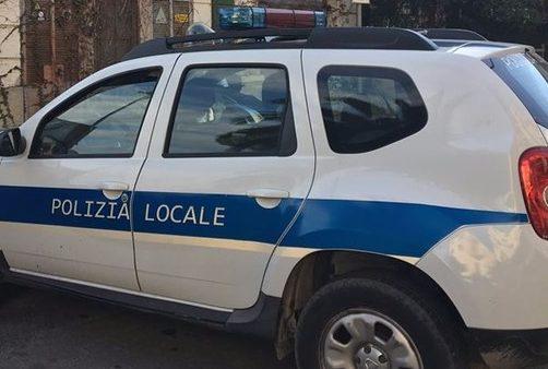 Agente della Polizia Locale ferito durante un TSO