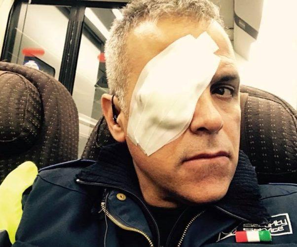 Guardia giurata difende un turista dai Rom e viene punito