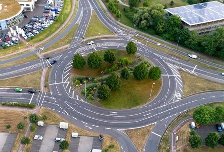Rotonde: precedenza con i veicoli delle corsie interne